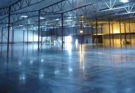 Міцна основа для бізнесу, або як правильно вибрати покриття для підлоги